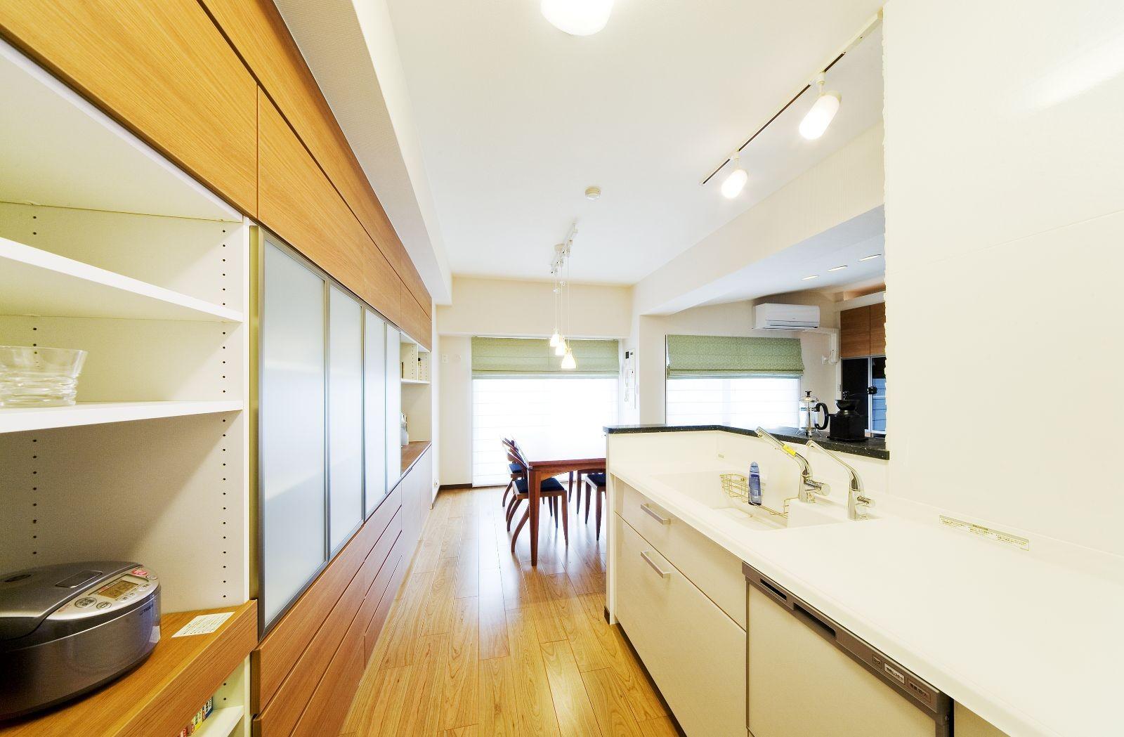 キッチン事例:キッチン(モダンでくつろぎのあるデザイン)