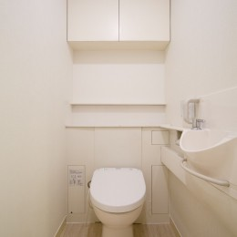 日の当たる広く開放的なリビングが自慢の家 (トイレ)