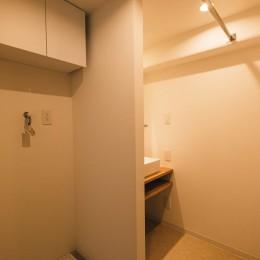 効率的なスペース活用 (洗面室)