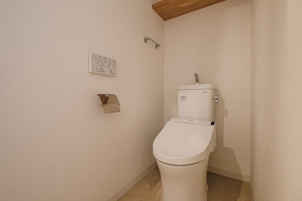 リビングダイニング事例:トイレ(効率的なスペース活用)