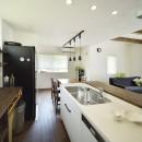 四季を愉しむロハスな家の写真 スッキリしていて使いやすいキッチン
