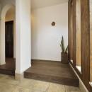 四季を愉しむロハスな家の写真 使いやすく上質な玄関