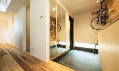 建築家とつくる自然素材の家 (玄関)