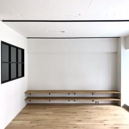 ワークスペースがあるナチュラルの開放的な空間 (リビングダイニング)