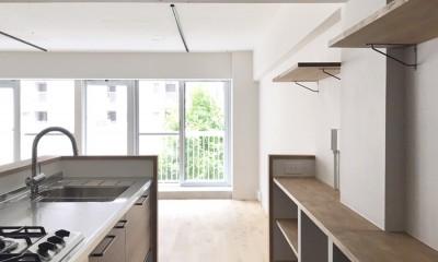ワークスペースがあるナチュラルの開放的な空間 (キッチン)
