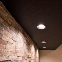 小上がりのある和モダンスタイルリノベーション (天井)