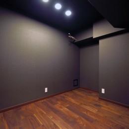 小上がりのある和モダンスタイルリノベーション (居室)