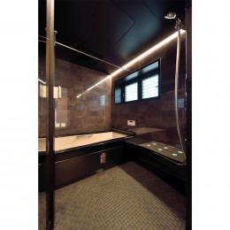 小上がりのある和モダンスタイルリノベーション (浴室)