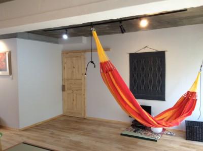 畳の小上がりのある暮らし (リビングスペース)