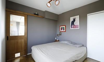 LDと廊下からアクセスできる寝室|ネコと日向ぼっこ
