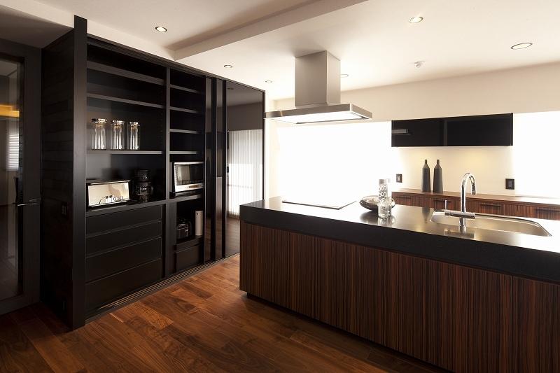 高台に建つ都心のセカンドハウス(リノベーション)の写真 キッチン1