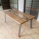 木のぬくもりのある暮らしの写真 造作ダイニングテーブル