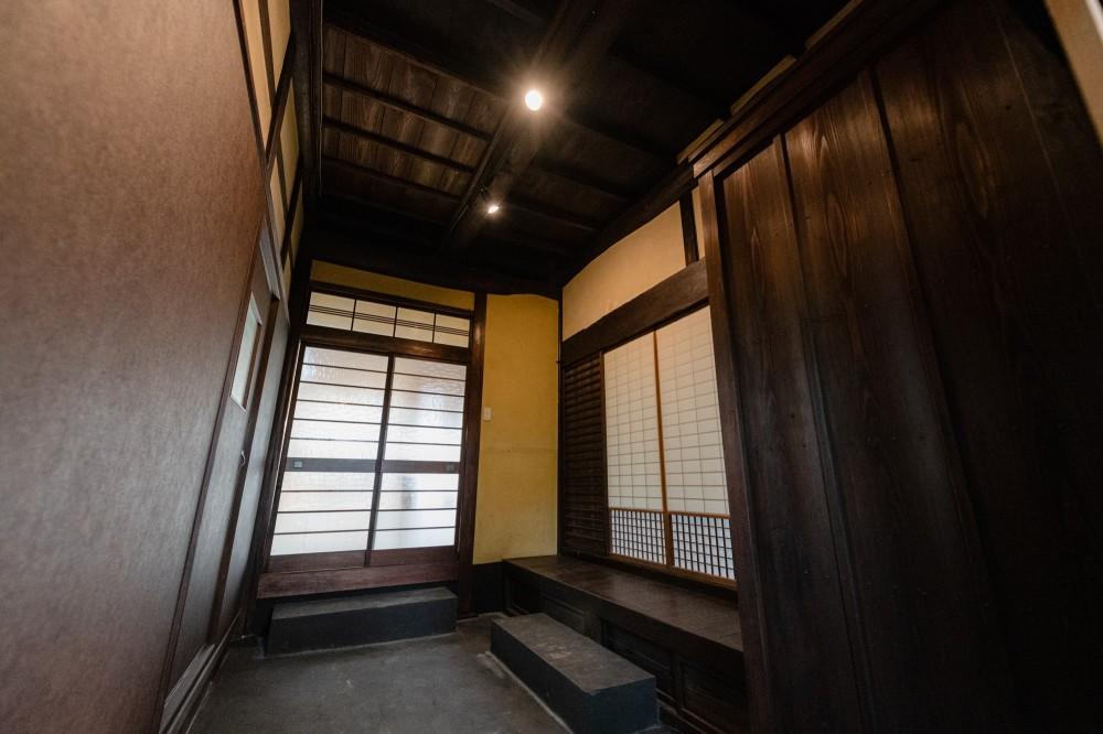 木のぬくもりのある暮らし (玄関)