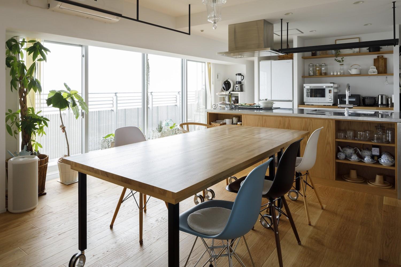 キッチン事例:ダイニングキッチン(ゆい-家族がポジティブに暮らすためのバリアフリー。将来に備えてリノベーション)