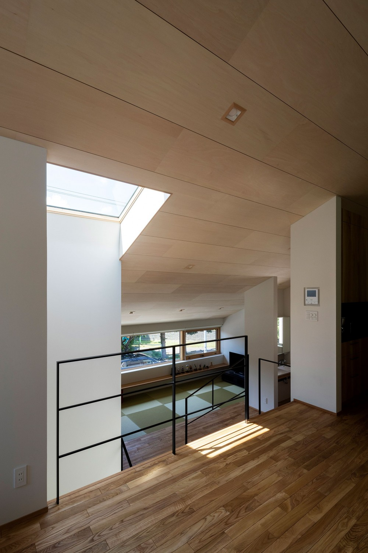 平岸の家 KWH (居間から和室を見る)
