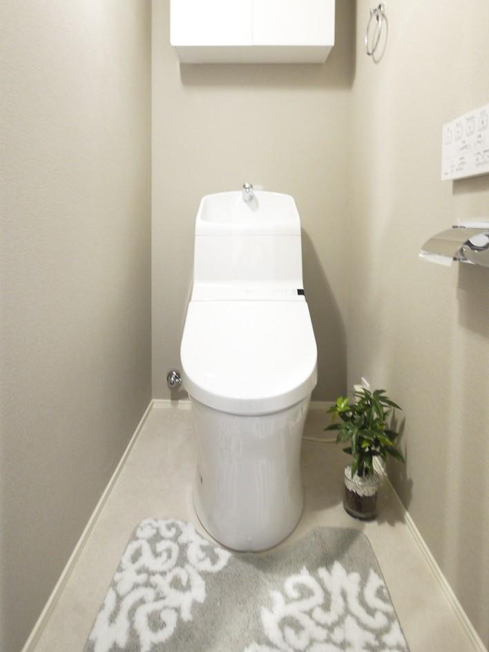 バス/トイレ事例:トイレ(シックなウォールナットの部屋)