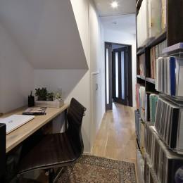 エアコンが苦手な奥様に 一年を通して温度変化の少ない家 (コンパクトな書斎)