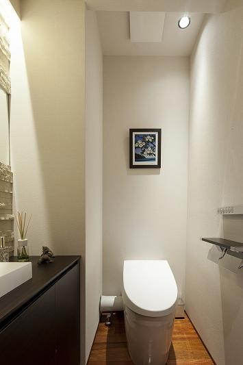 海沿いのラグジュアリーな空間(リノベーション)の部屋 トイレ