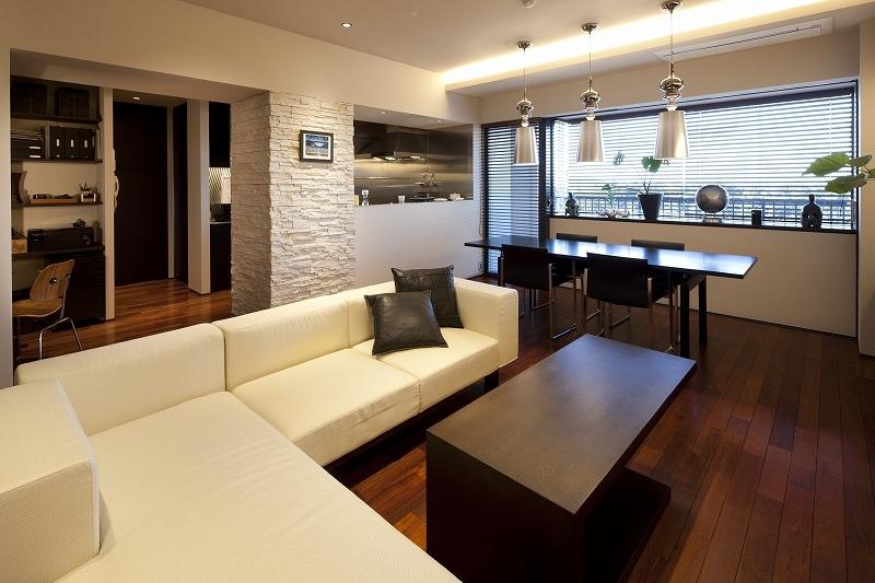 海沿いのラグジュアリーな空間(リノベーション)の部屋 リビング2