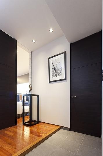 海沿いのラグジュアリーな空間(リノベーション)の部屋 玄関1