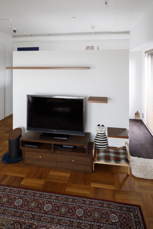 リビングダイニング事例:リビング(A邸-戸建てからマンションへ。サイズダウンしても狭さを感じない部屋)
