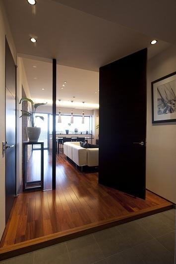 海沿いのラグジュアリーな空間(リノベーション)の部屋 玄関2
