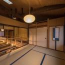 学林町の町家/耐震・断熱改修も行った京町家のリノベーションの写真 和室/元の天井を取り払ってあらわしとなった丸太の梁