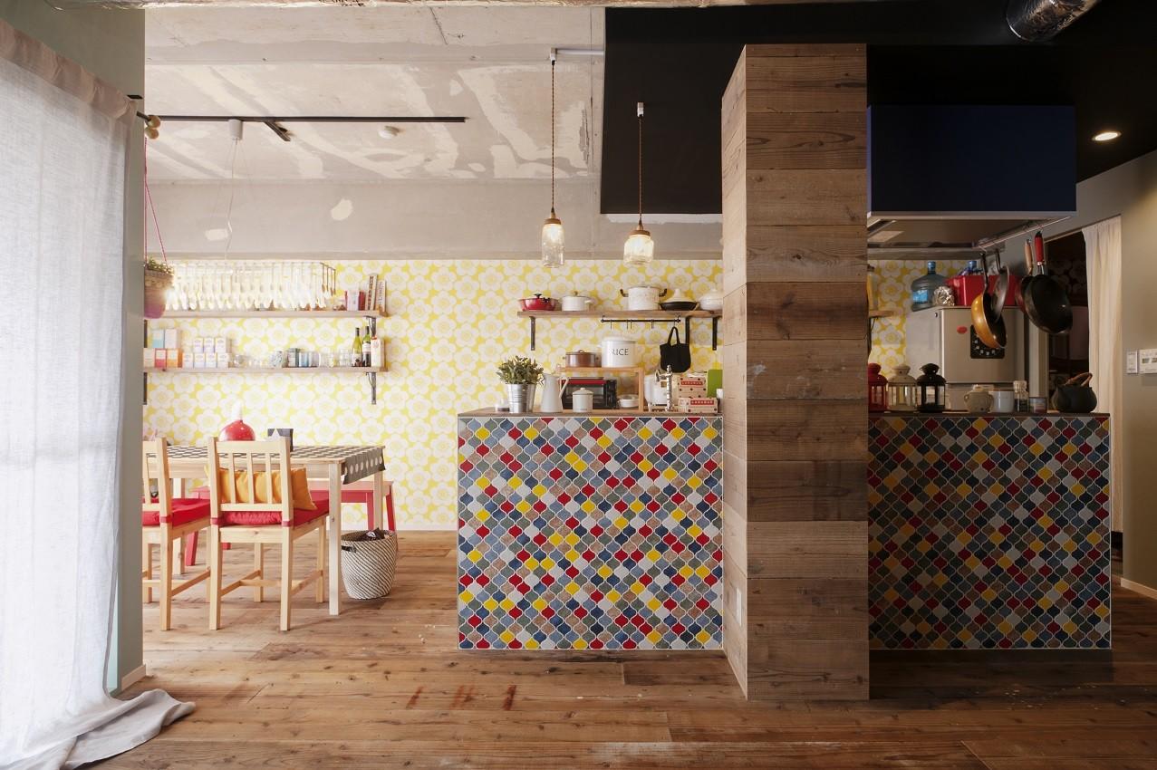 キッチン事例:キッチン(CAFEで暮らす~色遊びを楽しむ家~)