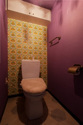 バス/トイレ事例:トイレ(CAFEで暮らす~色遊びを楽しむ家~)