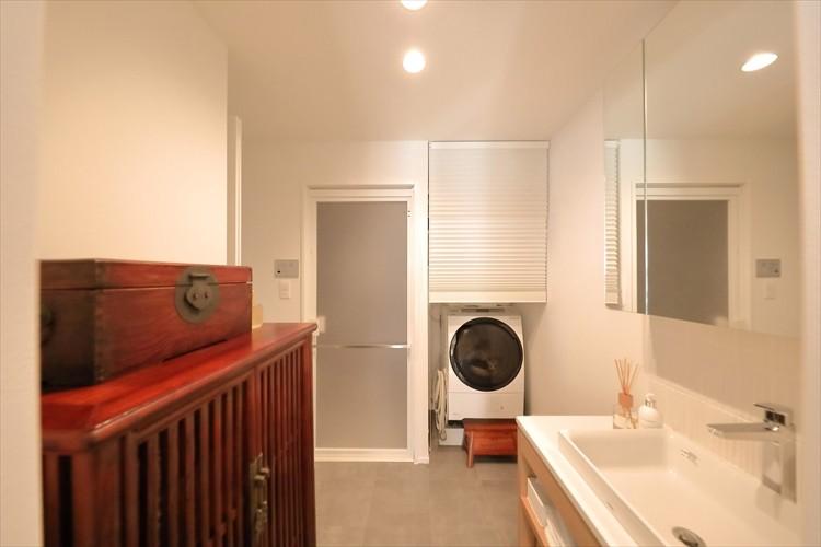 バス/トイレ事例:ブラインドで生活感を隠せるサニタリースペース(#ふたり暮らし)