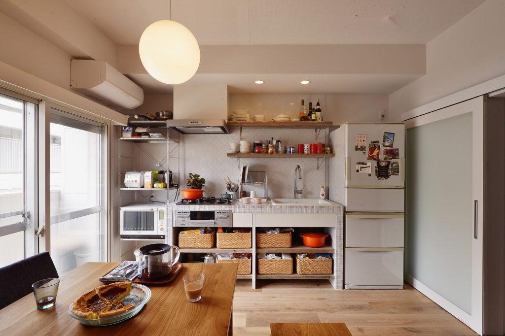 リビングダイニング事例:キッチン(光と風 流れる家)