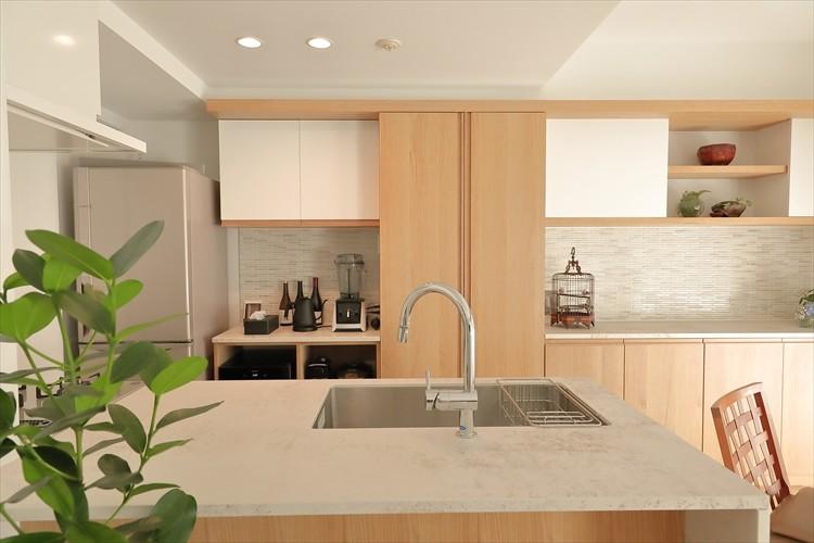 キッチン事例:造作の背面収納があるキッチン(#ふたり暮らし)