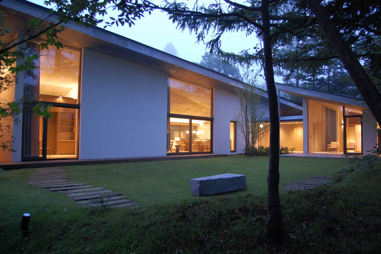 外観事例:軽井沢のセカンドライフハウス PHOTO by R.E.A.D.(軽井沢のセカンドライフハウス)