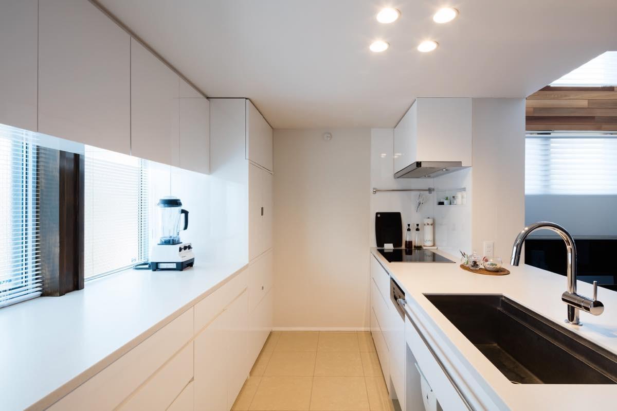 キッチン事例:内観9(根岸の家)