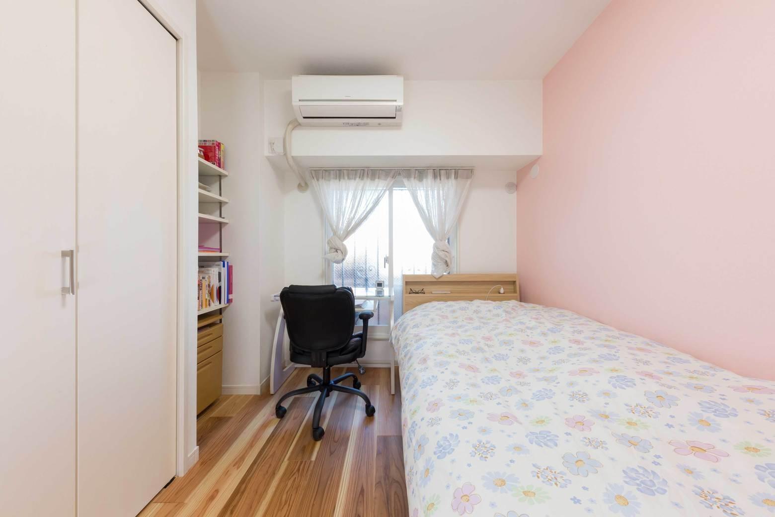 ベッドルーム事例:洋室2(すっきりした暮らしを実現。たっぷり収納リノベーション)