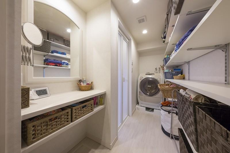 バス/トイレ事例:脱衣室(5人家族でシェアするファミリー収納。メリハリ・リノベーション)
