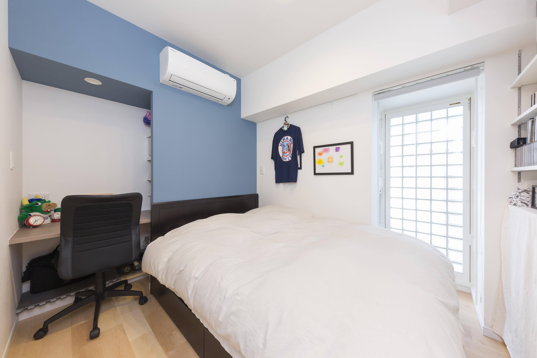 ベッドルーム事例:快適な空間に生まれ変わった寝室(親子のこだわり満載。「好き」と「素敵」が溢れるリノベーション)