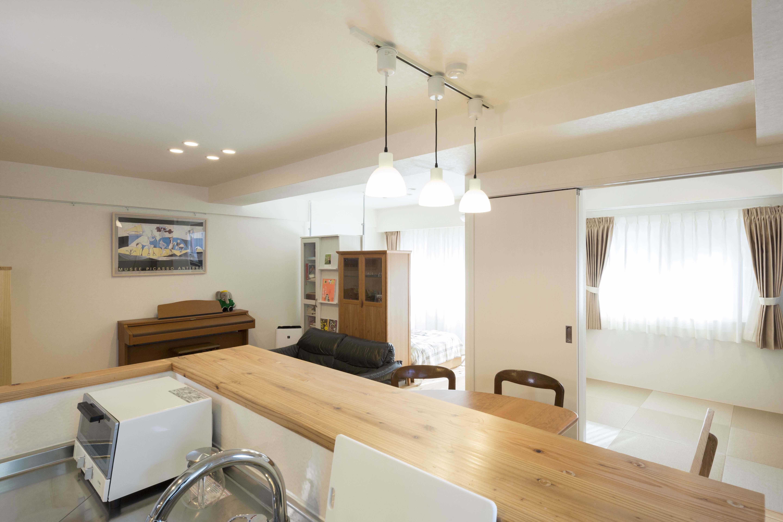 キッチン事例:家族全員に目が届くオープンなキッチン(20年来の結露とカビの悩み解決した住環境改善リノベーション)