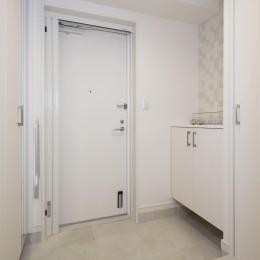 20年来の結露とカビの悩み解決した住環境改善リノベーション (広く快適になった玄関スペース)