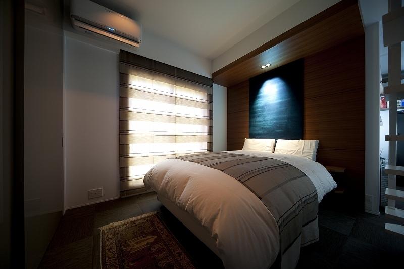 軽やかさを感じさせるラグジュアリーモダンな家(リノベーション)の部屋 ベッドルーム2