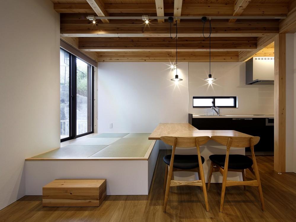 越前良太デザイン研究所「桜本町の家」