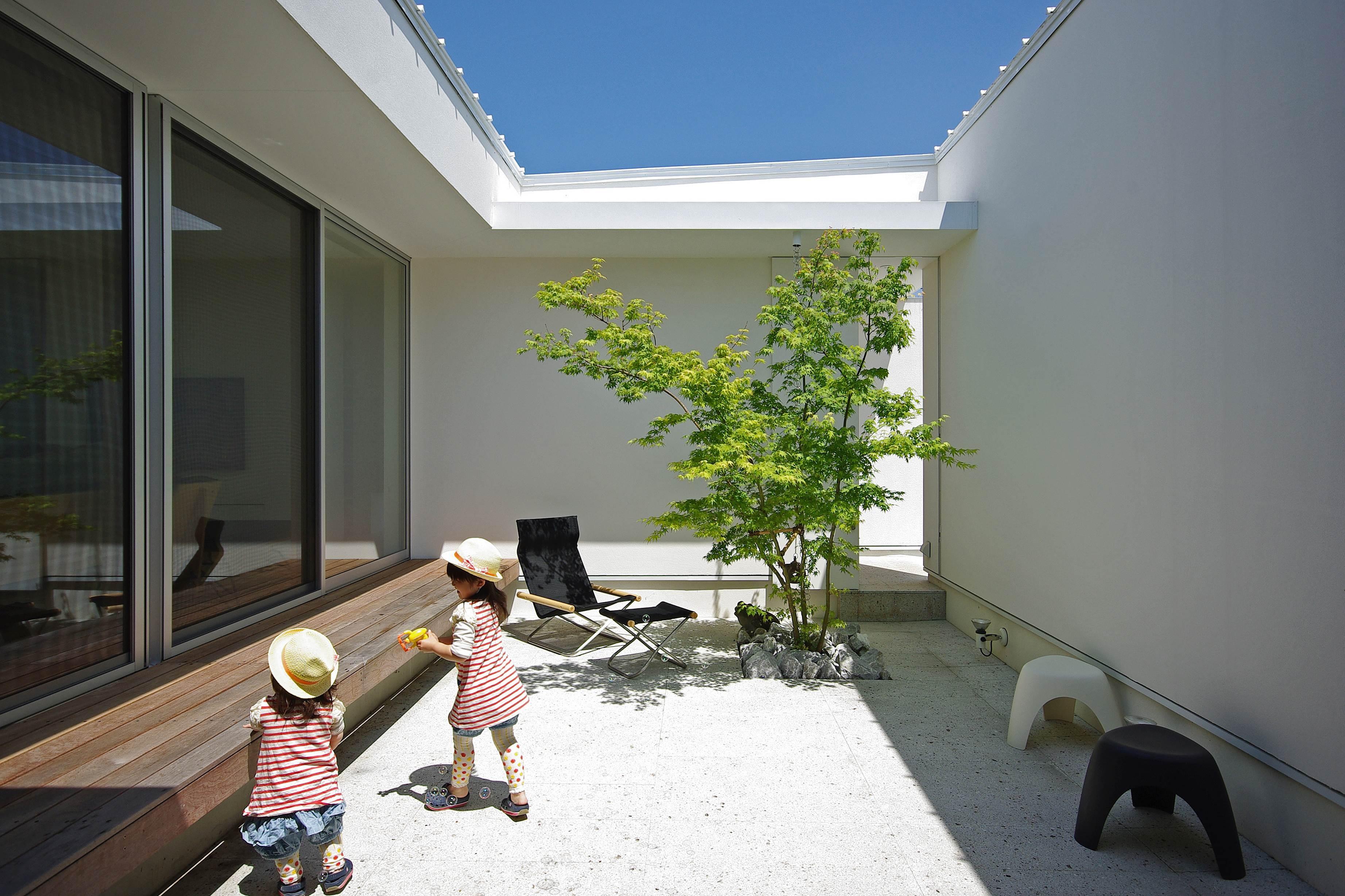アウトドア事例:中庭(平尾の家-hirao)