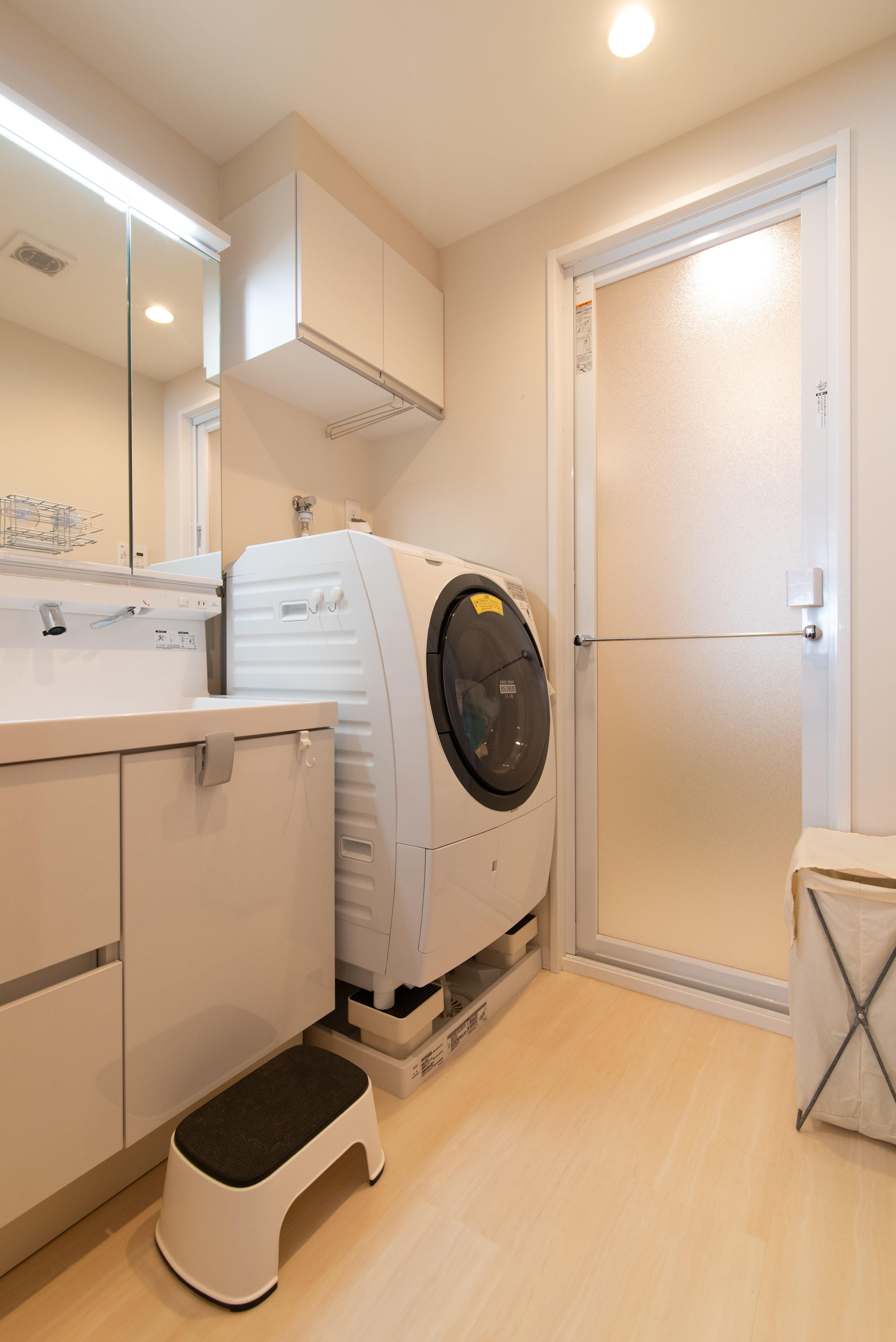バス/トイレ事例:洗面室(港の町の電車BOY)