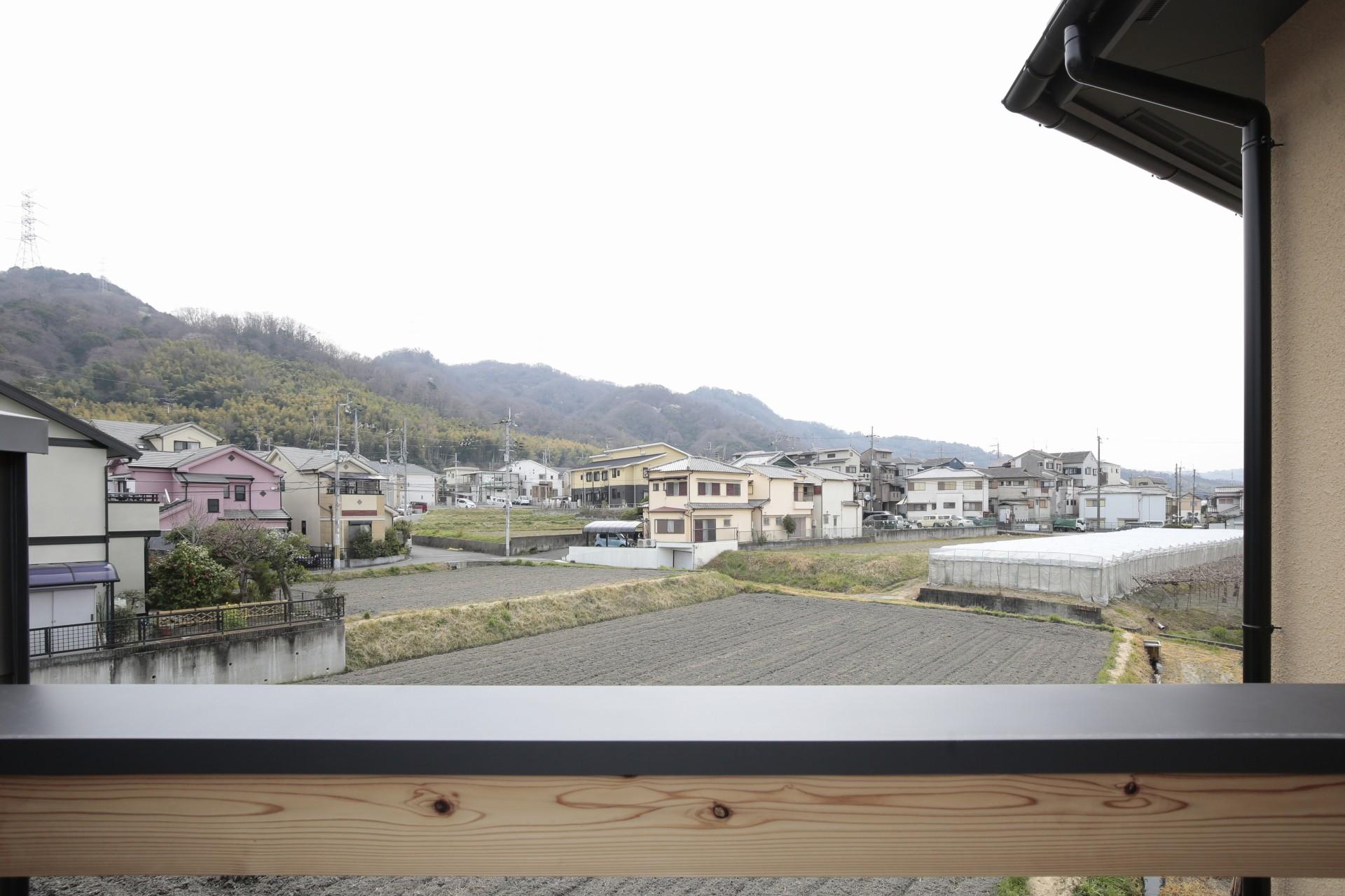アウトドア事例:バルコニーからの眺め(交野市の家)