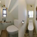 リノベで「今」を楽しむの写真 シンプルで清潔感のあるトイレ