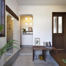 お家カフェ ダイニングをカフェスタイルに (趣きのある玄関)