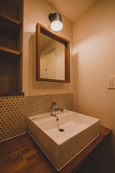 洗面室 (小技が光るきれいめマリン)