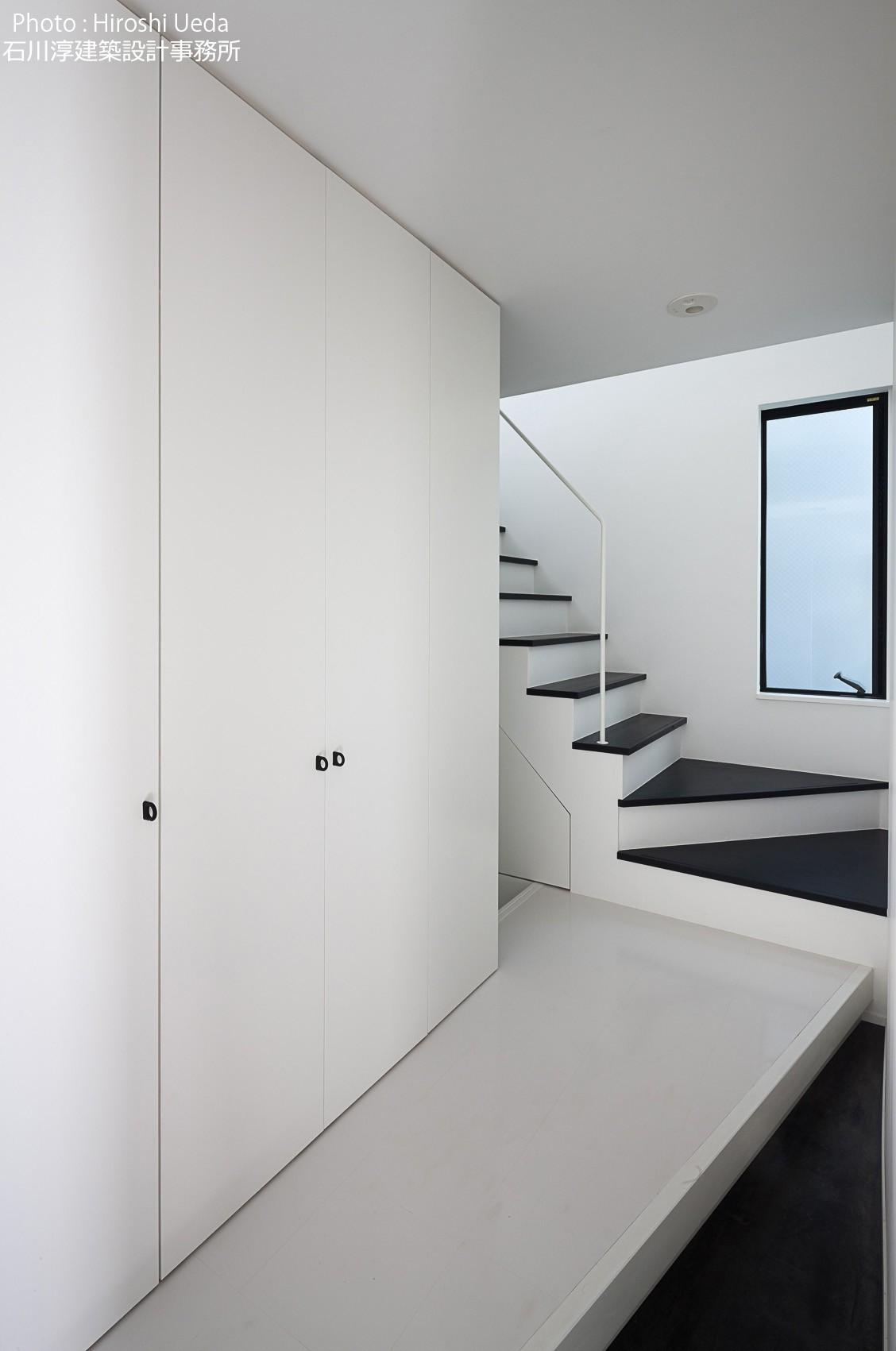 玄関事例:広い玄関土間(杉並 ちいさな仕事室のある家)