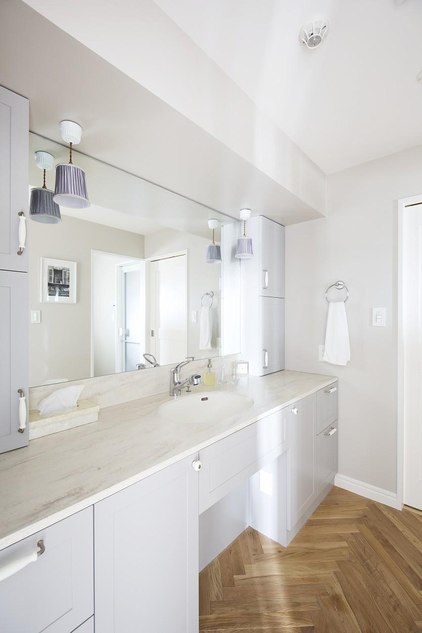 バス/トイレ事例:奥様がプランした造作洗面化粧台(パリのアパルトマンに憧れて)