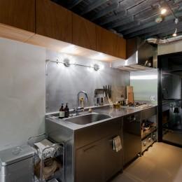 見知らぬ、天井 (キッチン)